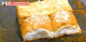 roasting pav on tawa for pav bhaji recipe